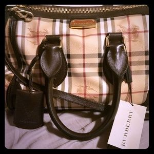 Burberry SM Gladstone Bag